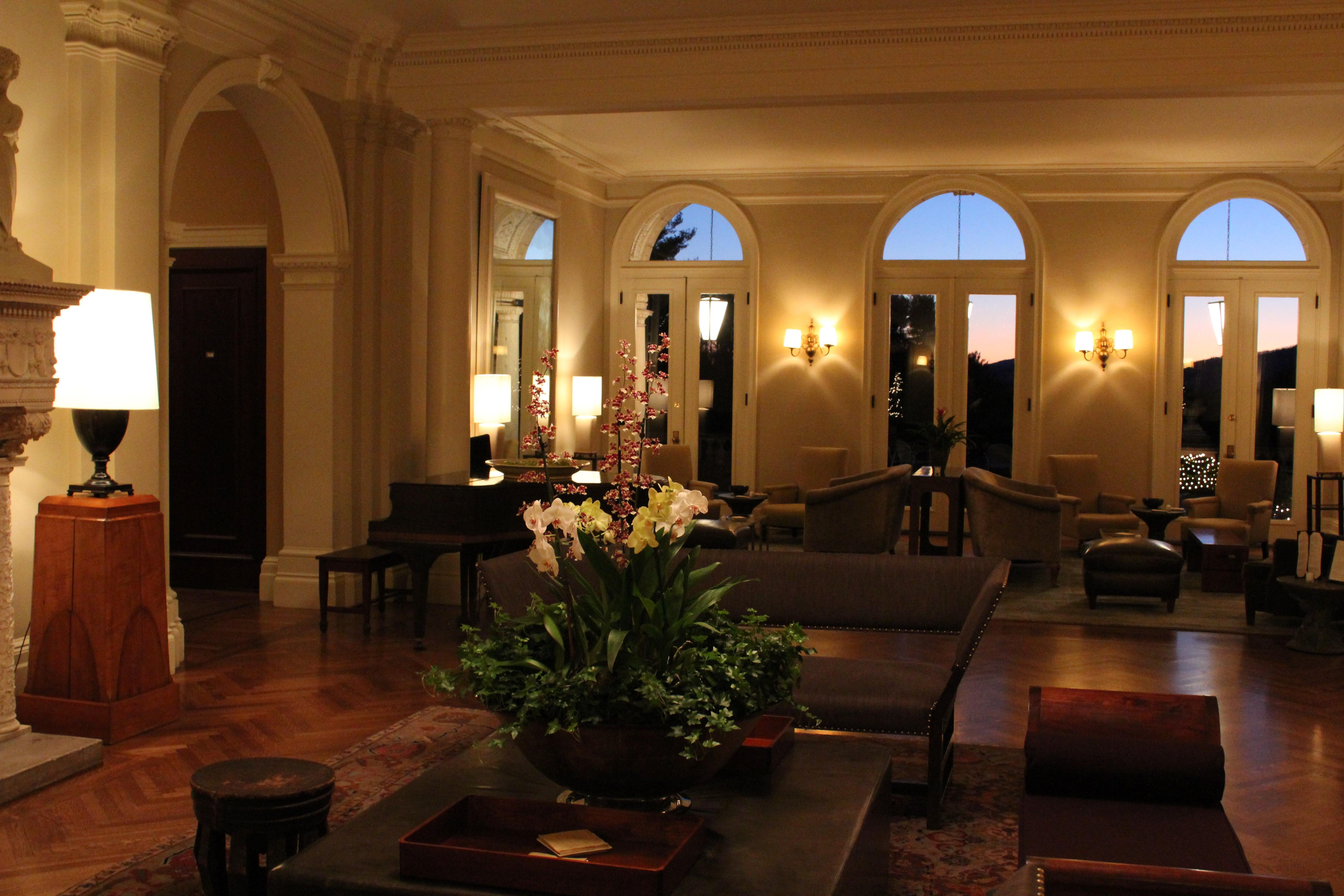 Hotel-Lobby-Design